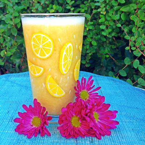 Citrus Detox Vegan Smoothie from www.LipstickandBerries.com