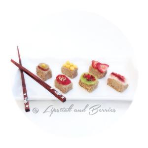 Raw Vegan All-Fruit Sushi!  www.LipstickandBerries.com