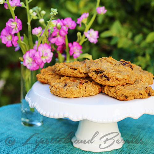 Peanut Butter Cinnamon Raisin Protein Cookies! These are an awesome pre or post workout treat.  Vegan, low sugar (pure maple), plant based protein, and oil-free!   www.LipstickandBerries.com (Dessert)