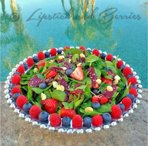 Fresh Green Salad topped with a Chocolate Blueberry Salad Dressing! Vegan, Fat-Free, Oil-Free, Refined Sugar-Free!  www.LipstickandBerries.com