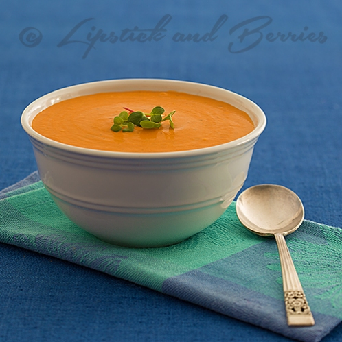 Vegan Creamy Tomato Basil Soup! Only takes 5 minutes to make!  (raw vegan option)  #sosfree #healthyquickrecipes #vegan #healthysoup