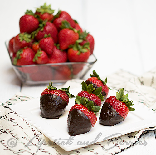 Strawberries with Chocolate Superfood Dip! (Vegan and Refined Sugar Free!) You won't believe these ingredients! #vegan #sosfree #oilfree #oilfreevegan #sosfreevegan #healthychocolate