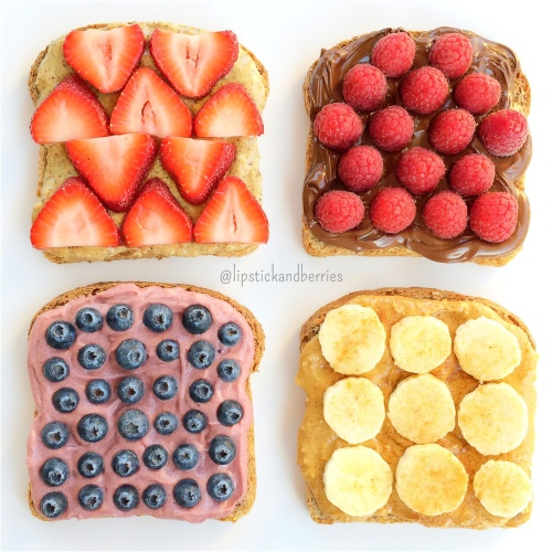 Breakfast Toasts! { berries * fruit * healthy breakfast * vegan snack * lipstick and berries * recipes }