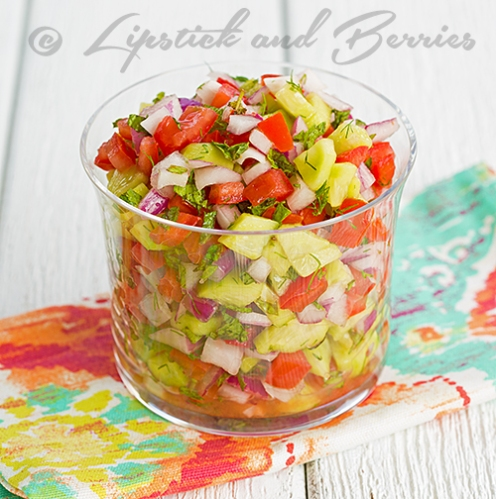 Mediterranean Salsa! Only a few ingredients and only takes 5 minutes to make!  Perfect for summer!  #appetizers #veganrecipes #summerrecipes #lowfat #easyrecipes