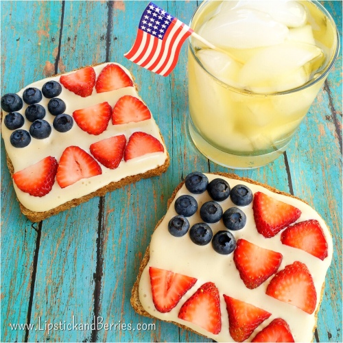 For July 4th! Cute Festive Toast!   {LipstickandBerries.com}