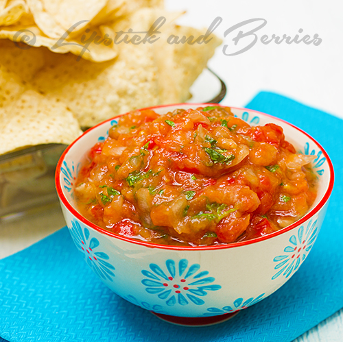 The easiest, yummiest summer salsa ever! Fat Free Mango Tomato Salsa! #plantbasedrecipes #appetizer #vegan #healthyrecipes